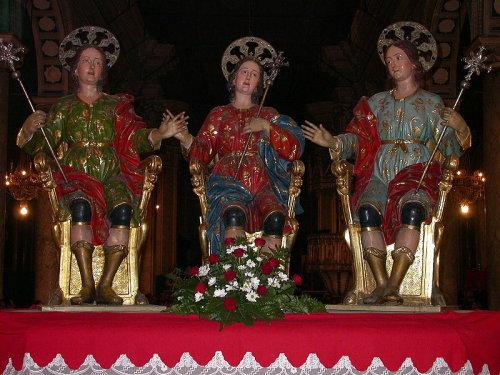 Si commemora la Traslazione delle Reliquie.