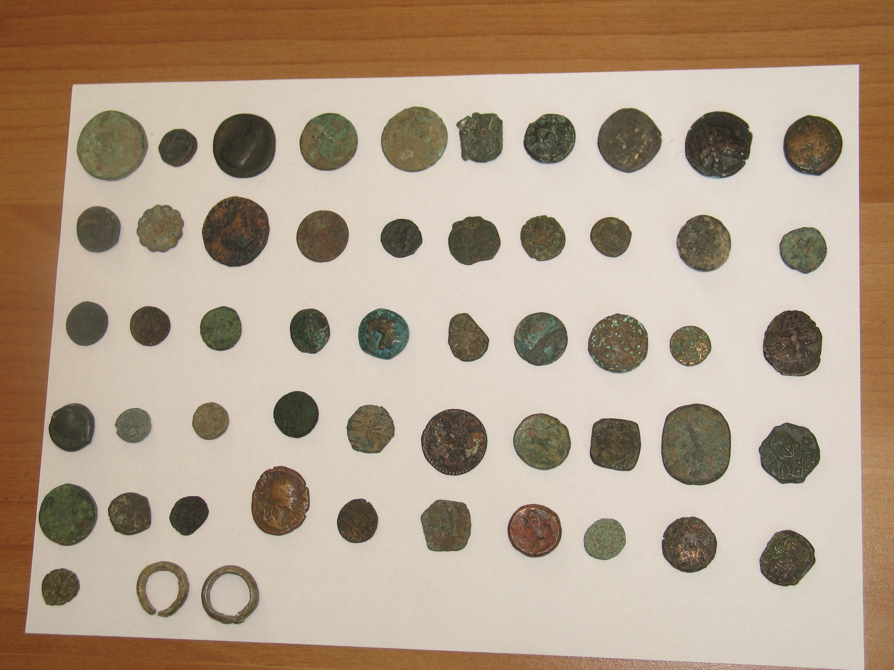 operazione dei carabinieri, sequestrate 25 monete antiche