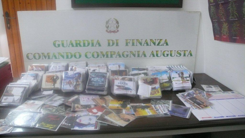 SEQUESTRATI DALLA GDF 2 MILA CD CONTRAFFATTI, SENEGALESE IN CELLA