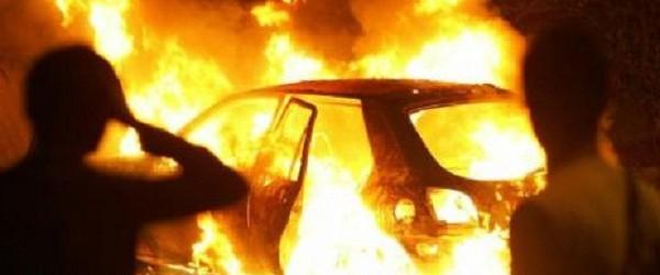 Carlentini  Auto in fiamme nella notte
