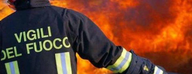 Floridia| Incendio casolare sulla 124