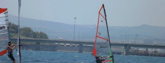 Augusta| Giampiero Pagliaro primo al traguardo nella 10° edizione della gara di windsurf