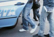 Lentini| Sfugge ai poliziotti. Bloccato, li aggredisce