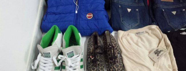 Noto  Senegalese con scarpe e vestiti rubati