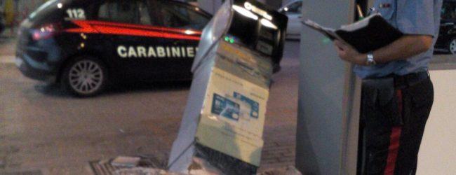 Avola| Tentato di asportare la cassa automatica di un distributore di benzina
