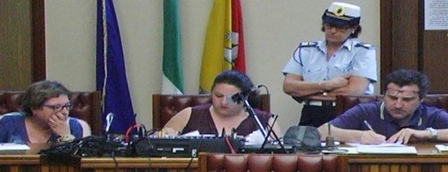 Augusta  I consiglieri comunali Canigiula, Errante e Niciforo stigmatizzano l'operato del presidente del consiglio comunale