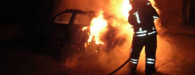 Lentini| Ancora autovetture in fiamme, distrutte stanotte una Lancia Y e una Mercedes