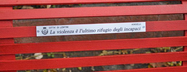 Lentini| Rossa come il sangue, inaugurata a villa Gorgia la panchina contro il femminicidio