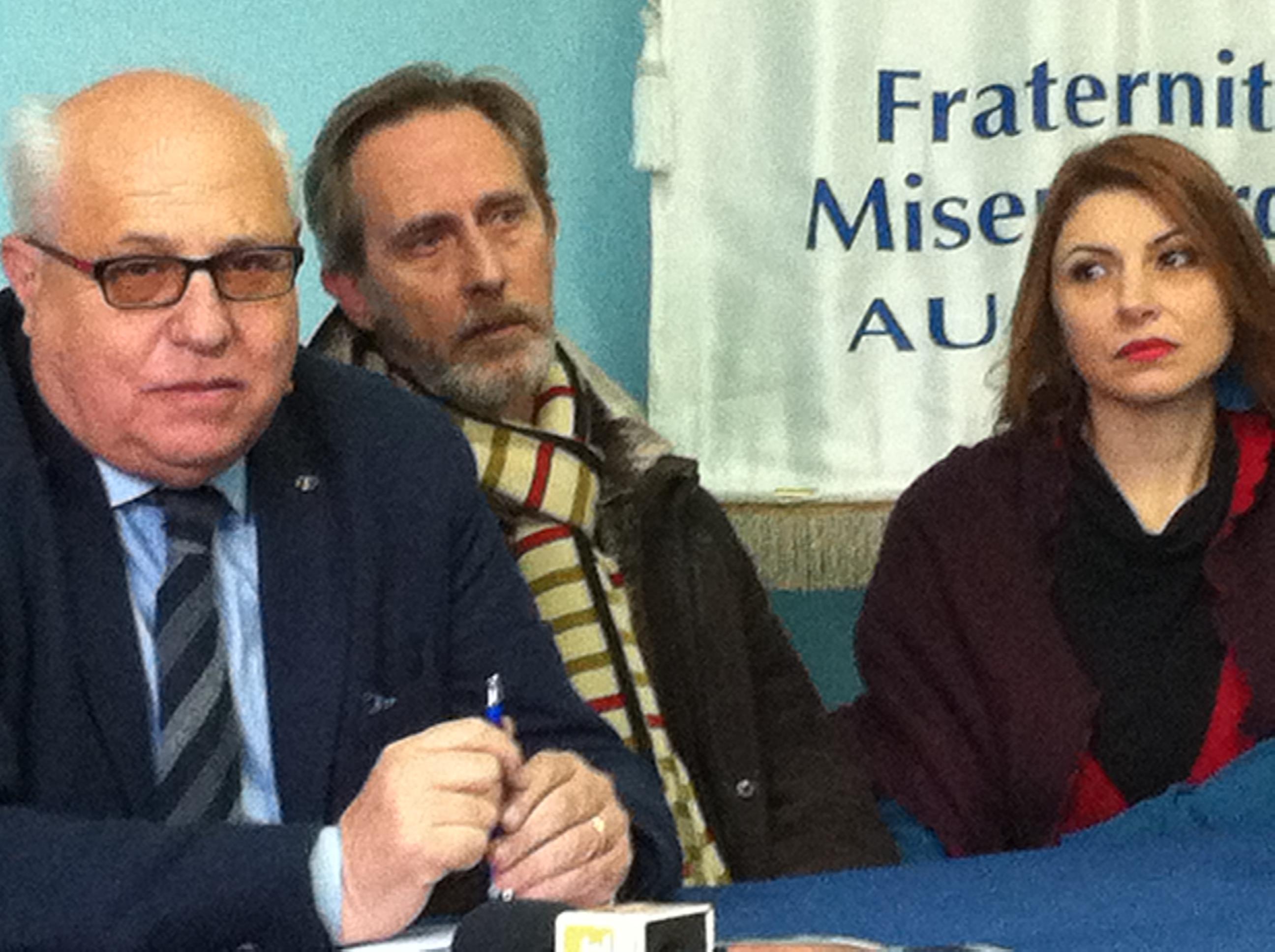 Il presidente del Kiwanis Augusta Domenico Morello con l'attore Bruno Torrisi e la soprano Marianna Cappellani
