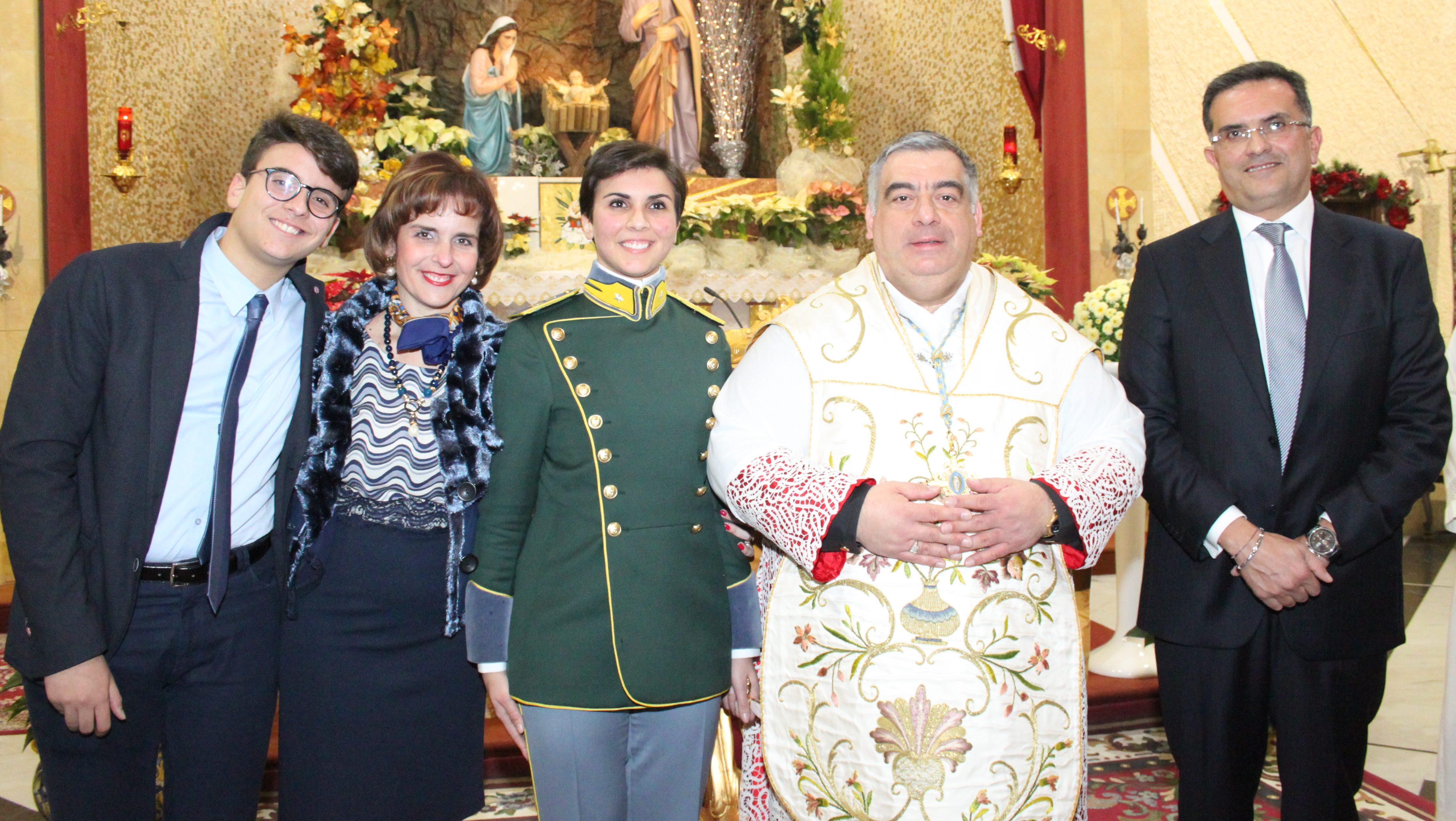 Foto di Gruppo con Padre Davide e la famiglia di Letizia carrabino