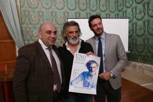Il sindaco Garozzo con il vicesindaco Italia e l'attore Lo Verso