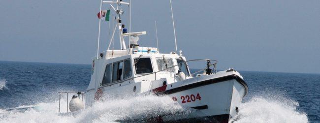 Augusta| La Guardia Costiera sequestra una rete all'interno del porto megarese