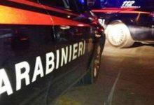 Lentini   Mette a soqquadro la casa dei genitori dove vive con la famiglia e aggredisce la madre, arrestato in flagranza un 31enne