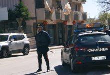 Noto  Non si ferma all'alt e tenta di investire i carabinieri