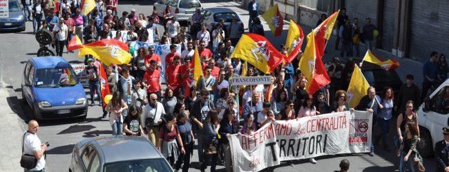 Lentini| «Primo Maggio dei Territori», un migliaio al corteo contro la discarica di Armicci