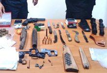 Carlentini | Droga e un mini arsenale in casa, 29enne finisce nei guai