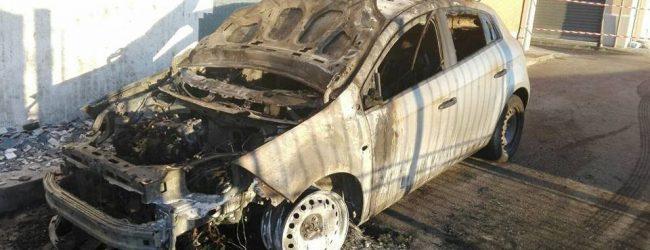Carlentini   Notte di fuoco, distrutte due autovetture