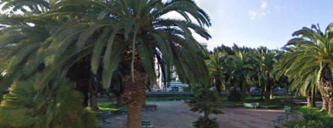 Augusta  Spaccio in piazza Mattarella