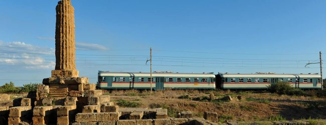 Sicilia  Treni storici, week-end ricco di iniziative tra Caltanissetta, la Valle dei Templi, la Scala dei Turchi e i centri del barocco siciliano