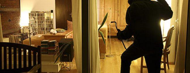 Siracusa| Furti con scasso in appartamento