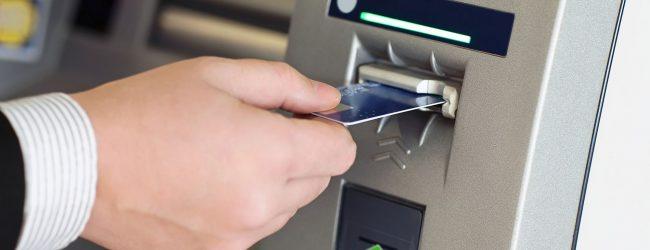 Lentini   Prelevava denaro con carte bancomat rubate, lentinese ai domiciliari