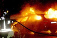 Francofonte | Notte di fuoco, due auto in fiamme
