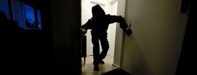 Francofonte | Sorpresi a rubare dentro un'abitazione in pieno centro, quattro in manette