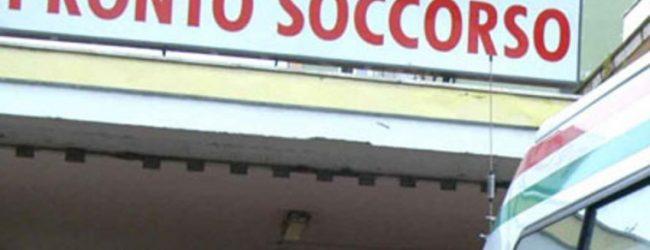 Siracusa  Investito va poi in escandescenza al pronto soccorso
