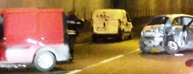 Lentini | Ennesimo incidente nella galleria San Demetrio, un morto e due feriti