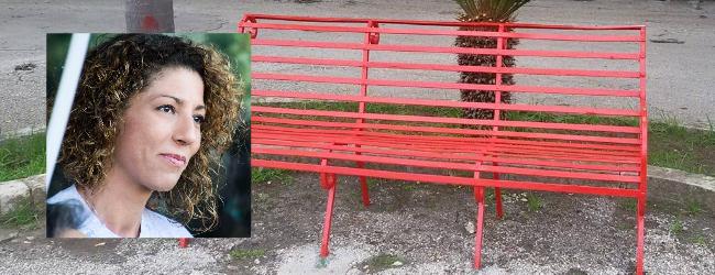 Augusta| Panchina rossa adottata dall&#8217;amministrazione comunale vandalizzata<span class='video_title_tag'> -Video</span>