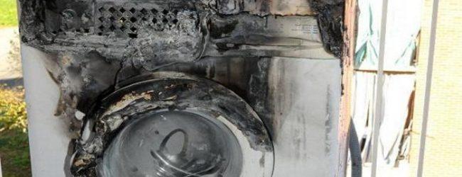 Lentini  Cortocircuito all'impianto elettrico, a fuoco per fortuna solo la lavatrice