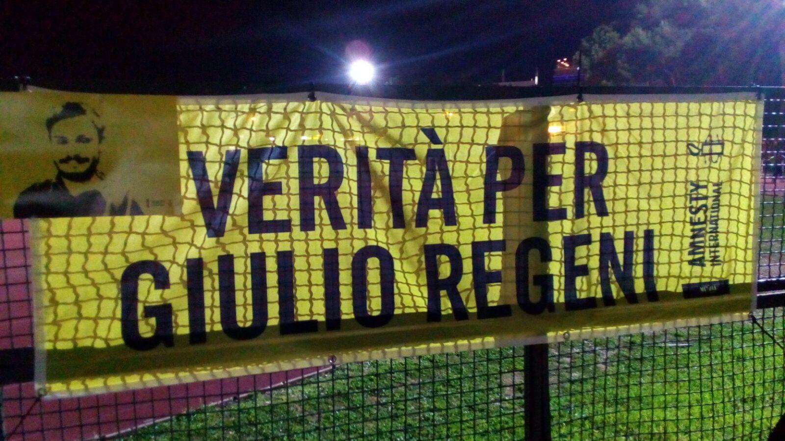 Siracusa fiaccole gialle per tutti i giulio del mondo - Giulio iacchetti interno italiano ...