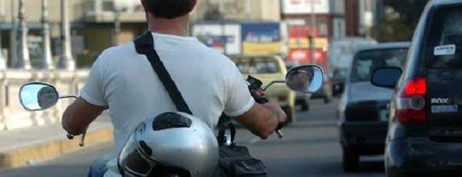 Siracusa  Giovane senza casco, patente e assicurazione