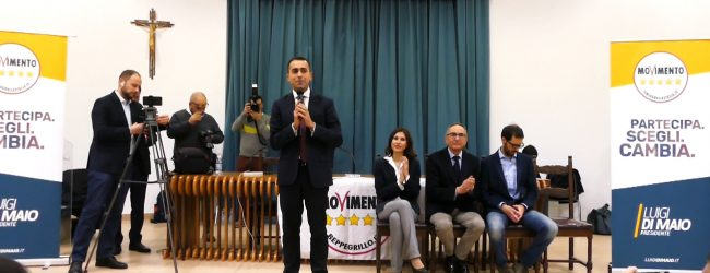 "Siracusa| Di Maio: ""Siciliani, punite col voto gli impresentabili""<span class='video_title_tag'> -Video</span>"