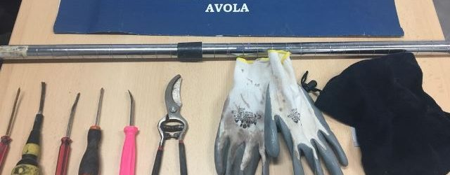 Avola| Tentano furto in un negozio, colti in flagrante