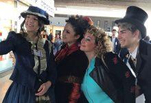 Catania| In aeroporto abiti stile Bellini e musica pop