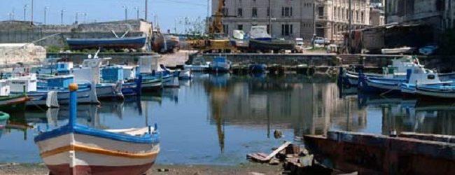 Siracusa| Extracomunitario trovato ferito da turisti sulla battigia