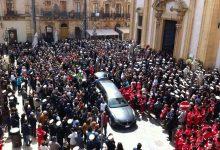 Augusta|  L'addio ad Andrea Fazio questa mattina in chiesa Madre<span class='video_title_tag'> -Video</span>