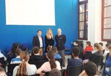 Siracusa  La Polizia incontra studenti del Santa Lucia