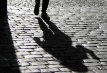 Siracusa| Stalking alla compagna del padre