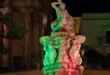 Noto| CasaPound illumina monumenti col tricolore