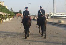 Siracusa| Carabinieri a cavallo dal Teatro Greco in Ortigia