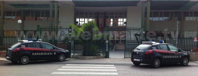 Augusta  Costa: vandali si introducono nella stanza del dirigente