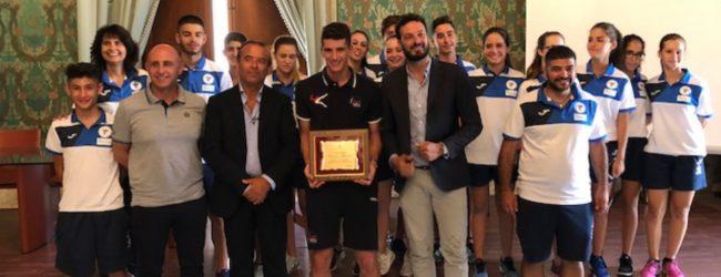 Siracusa| Il sindaco premia l'olimpionico Vincenzo Maiorca