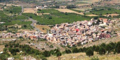 Carlentini   La frazione di Pedagaggi in festa per il Re Burlone estivo