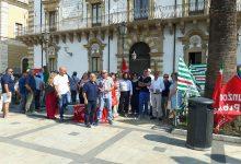 Augusta| In piazza Duomo sit -in dei comunali che non hanno percepito il salario accessorio