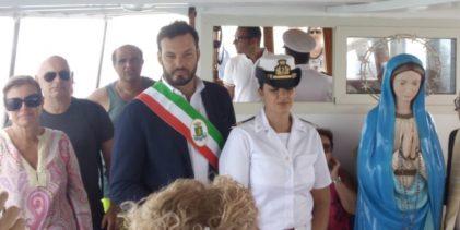 Siracusa   Fontane Bianche, il sindaco alla processione con le barche dedicata a Maria Stella del Mare
