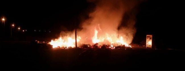 Augusta| Incendio a Monte Tauro: a fuoco sfalci di potature e rifiuti