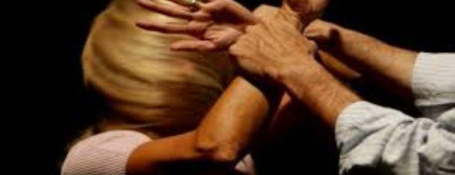 Augusta| Ha picchiato la compagna causandole frattura e contusioni: arrestato
