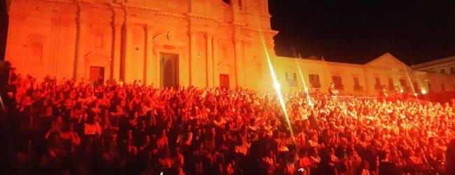 Noto   Nicola Piovani e Antonello Venditti incantano la capitale del barocco